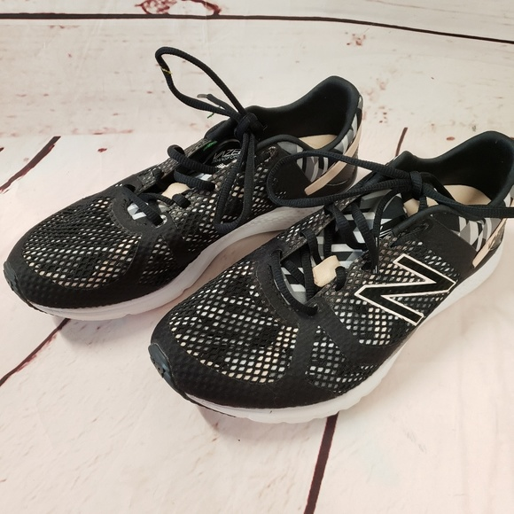 New Balance Shoes - Ladies New Balance vazee 9 tennis shoes sneakers